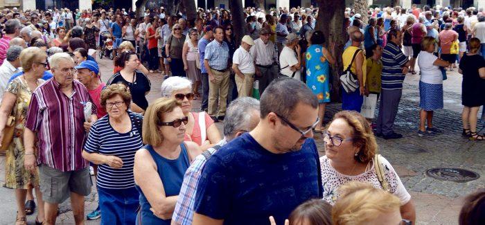 Los abanicos de Feria se repartirán en Plaza Vieja y oficinas de La Cañada, El Alquián y Cabo de Gata